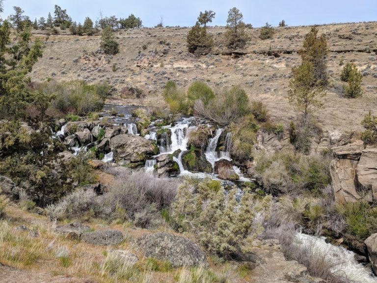 Easy Walk to Cline Falls – Central Oregon