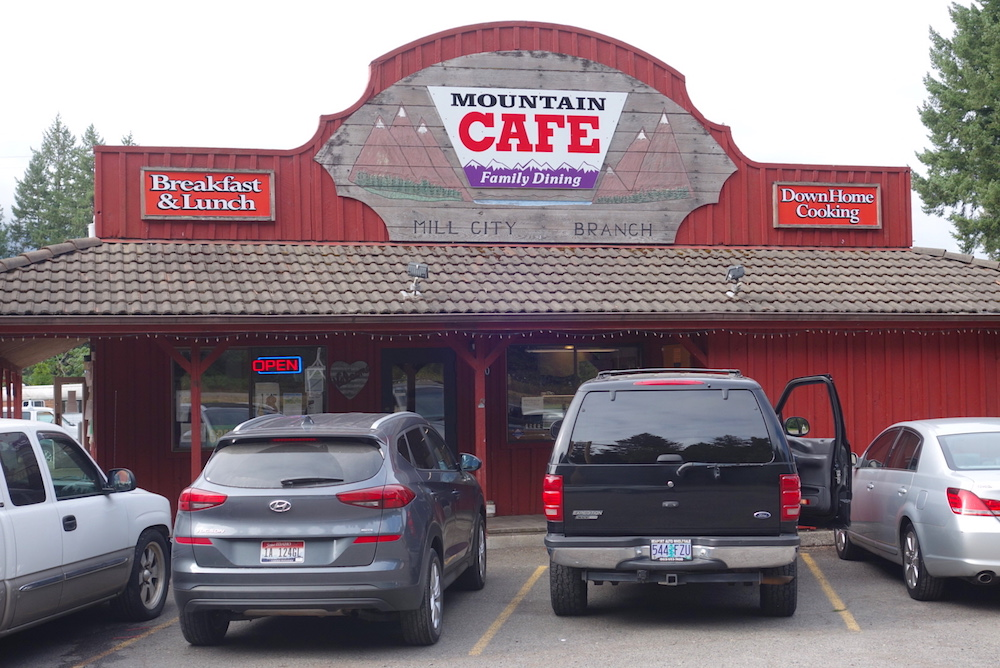 Mountain Edge Cafe - Central Oregon Road Trip Stops