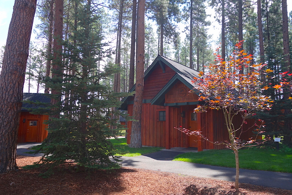 Sisters Oregon Lodge: Five Pine Lodge Cabins