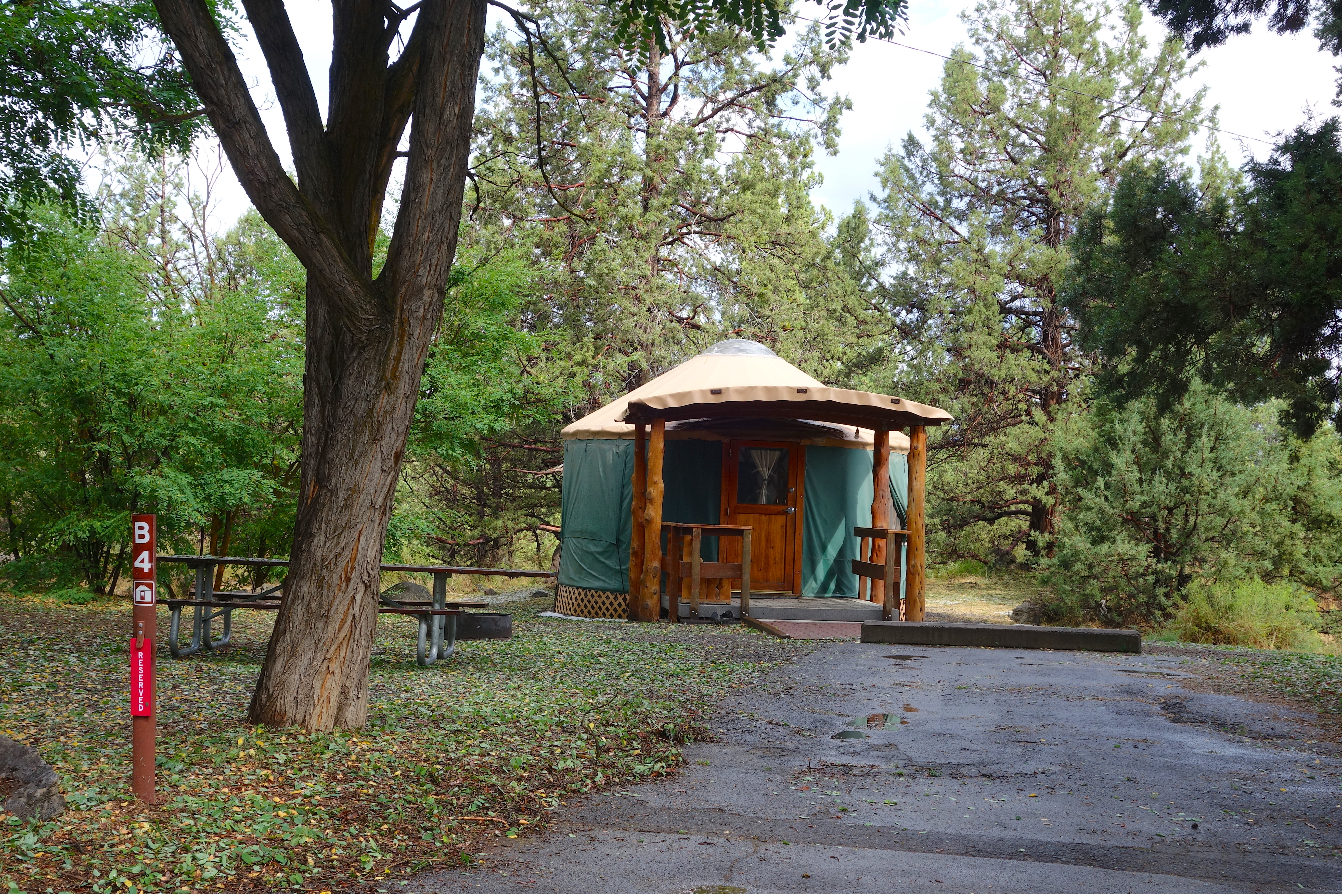 Yurt Rental - Guide to Tumalo Oregon - State Park Campground